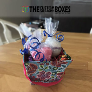 Bath bomb baskets for putting all bath bombs at one side.